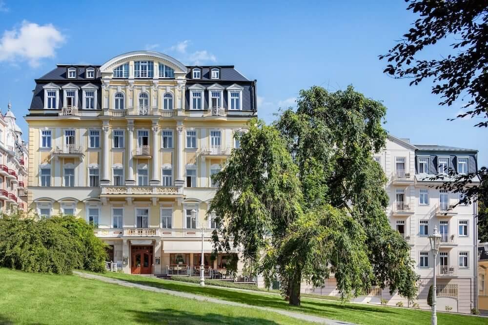 Отель Hvezda